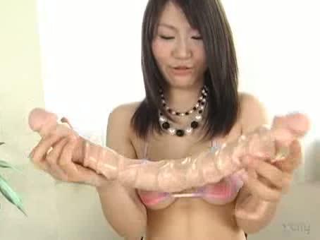 【千葉りの】ドエロい身体したアイドルが乳首モロ出し姿で卑猥なディルドオナニー披露。
