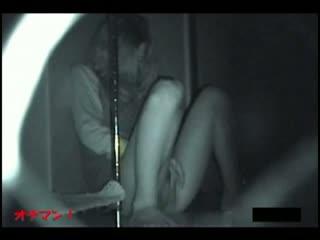 夜中の真っ暗な部屋で喘ぎ声を押し殺してこっそりとオナニーする妹を発見し赤外線盗撮。